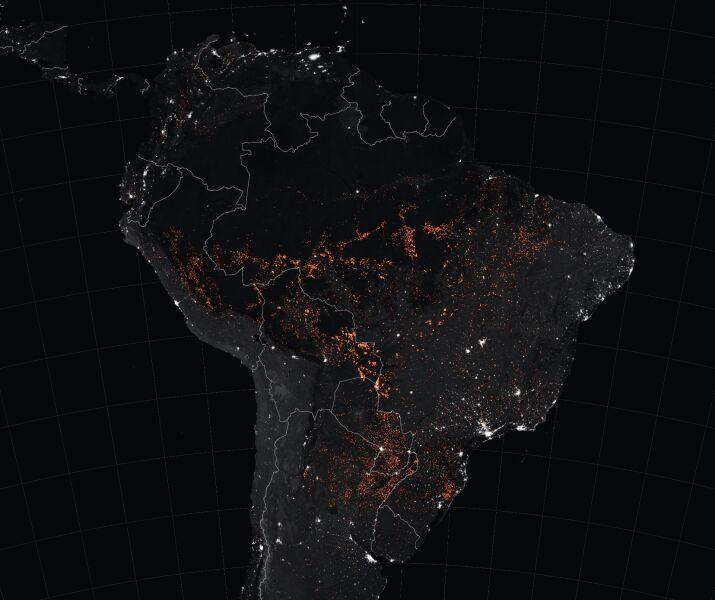 Pożary w Puszczy Amazońskiej między 15 a 22 sierpnia 2019 roku (NASA EOSDIS/LANCE and GIBS/Worldview/Joshua Stevens)
