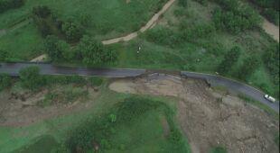 Zniszczona droga w Węglówce w Małopolsce